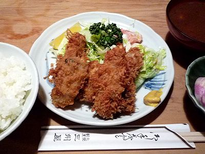 銀座「三州屋」のカキフライ定食