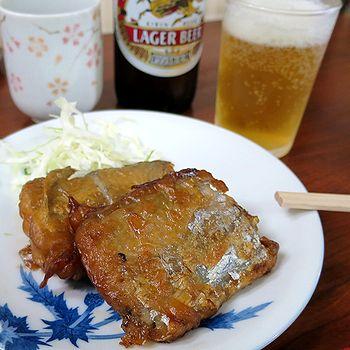 太刀魚唐揚げと小瓶ビール