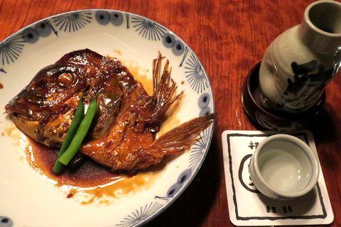 鯛のかぶと煮で熱燗