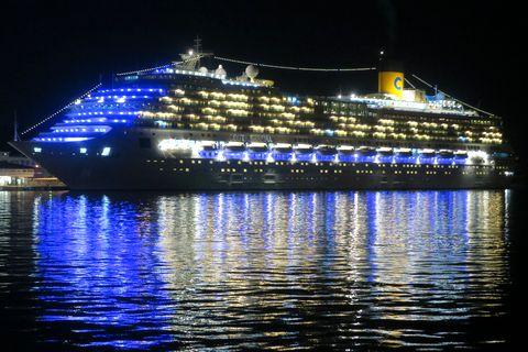 佐世保港の客船
