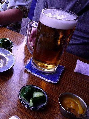 生ビール(大)とお通し、練りガラシ