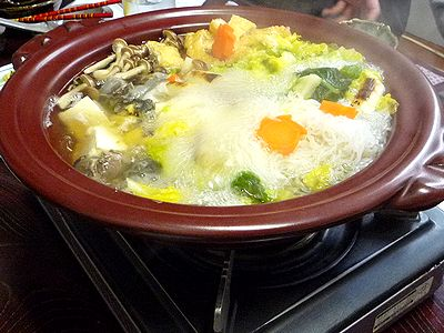 「まるます家」のスッポン鍋