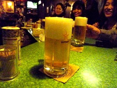 「オオムラ」で生ビール