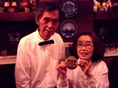 店主・露口貴雄さんと奥様の朝子さん