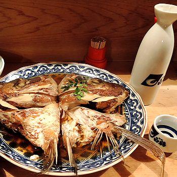 鯛カブト煮で燗酒