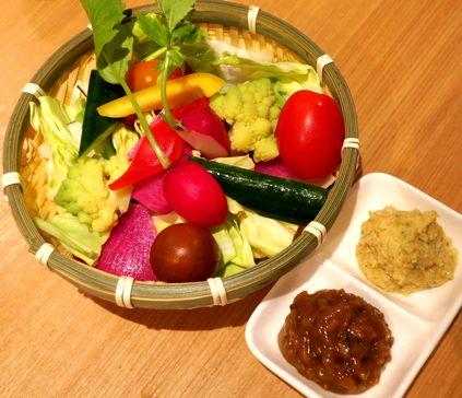 希少野菜と自家製ディップ